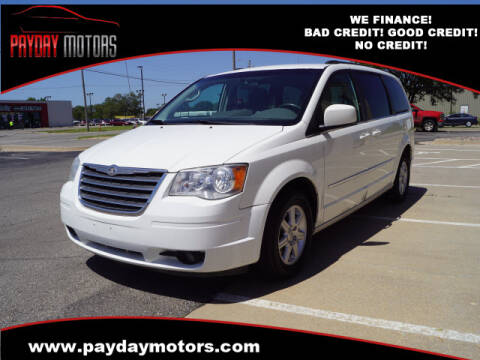 2010 Chrysler Town and Country for sale at Payday Motors in Wichita And Topeka KS