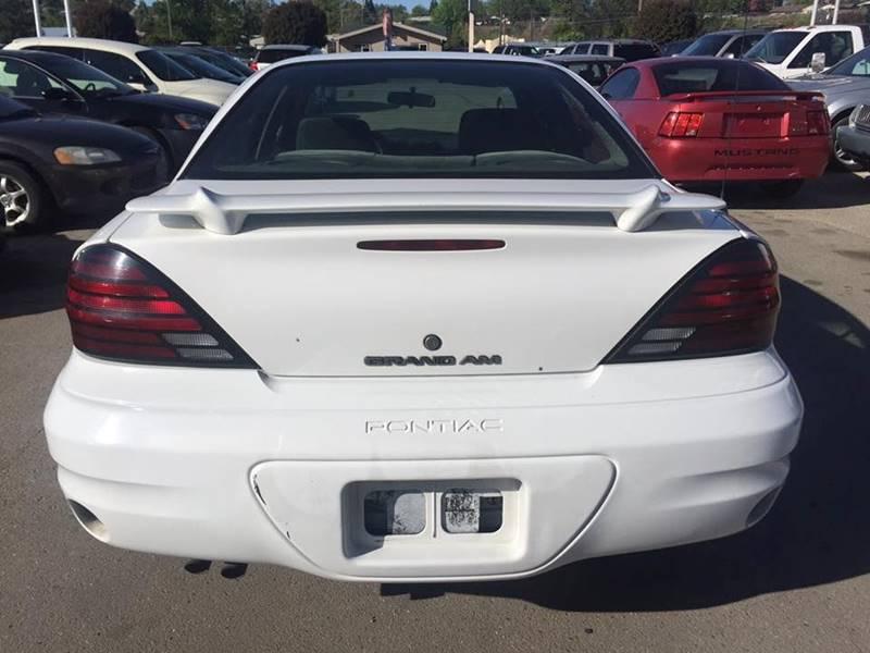 2004 Pontiac Grand Am SE1 (image 6)