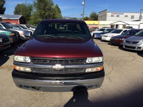 2000 Chevrolet Silverado 1500 for sale at RABI AUTO SALES LLC in Garden City ID