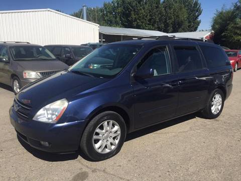 2006 Kia Sedona for sale at RABI AUTO SALES LLC in Garden City ID