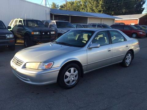 2000 Toyota Camry for sale at RABI AUTO SALES LLC in Garden City ID