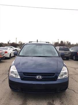 2008 Kia Sedona for sale at RABI AUTO SALES LLC in Garden City ID