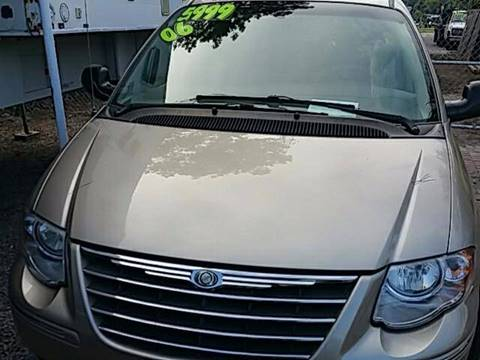 2006 Chrysler Town and Country for sale in Wilmington, NC