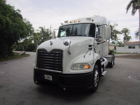 2011 Mack CXU 613 Pinnacle