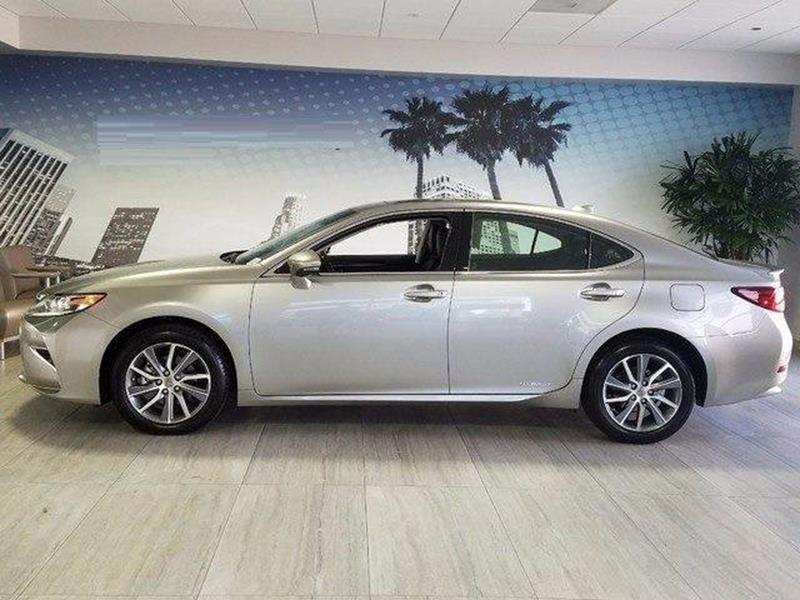 2017 Lexus ES 300h for sale at Car Club USA - Hybrid Vehicles in Hollywood FL
