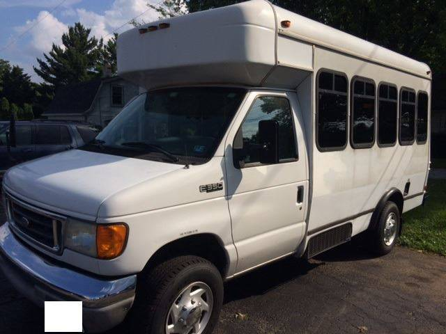 2005 Ford E-Series Chassis E-350 SD SRW Cutaway Chassis - Bel Air MD