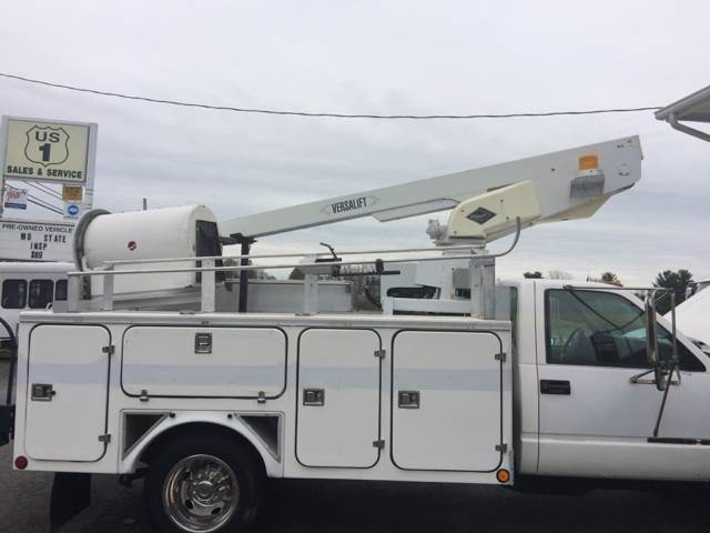 2000 GMC 30' 3500 4X2 BUCKET TRUCK  - Bel Air MD