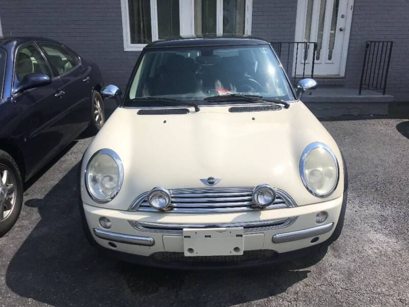 2003 MINI Cooper 2dr Hatchback - Bear DE
