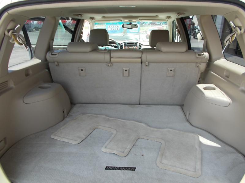 2005 Toyota Highlander Limited 4dr SUV w/3rd Row - Oak Ridge TN