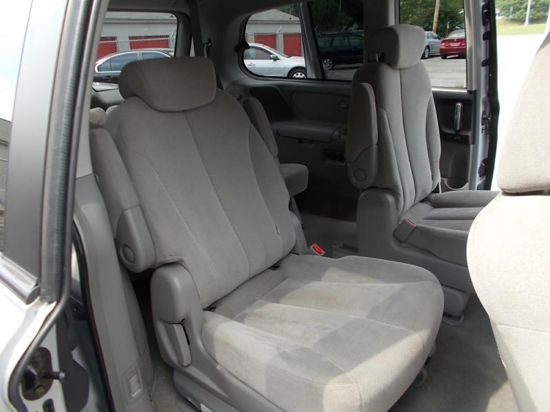2007 Hyundai Entourage GLS 4dr Mini-Van - Oak Ridge TN