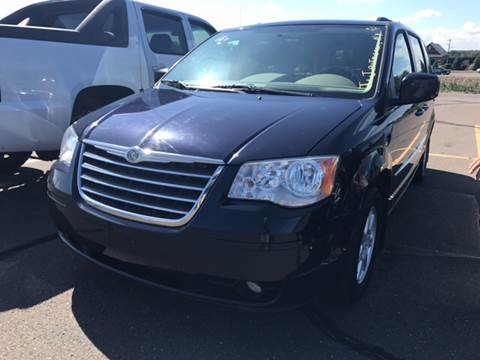 2010 Chrysler Town and Country for sale in Hempstead, NY