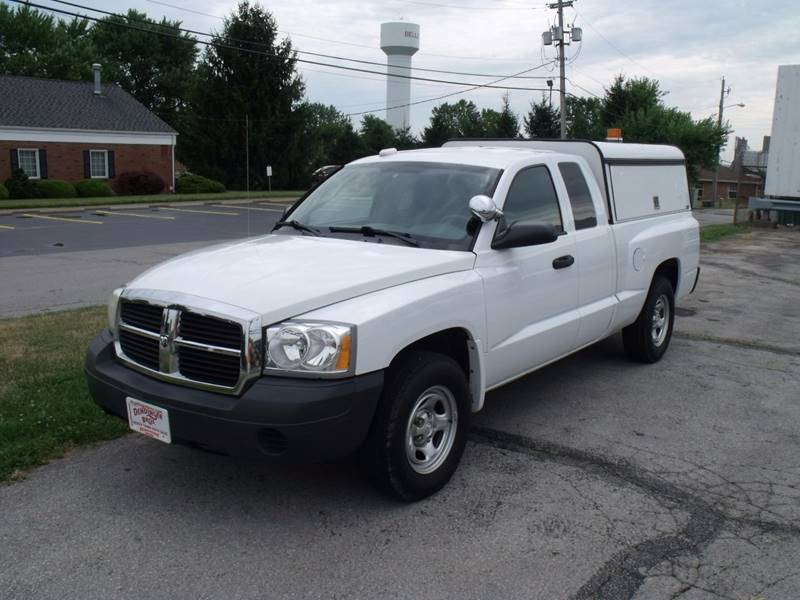 2006 Dodge Dakota ST 4dr Club Cab SB - Bellevue OH