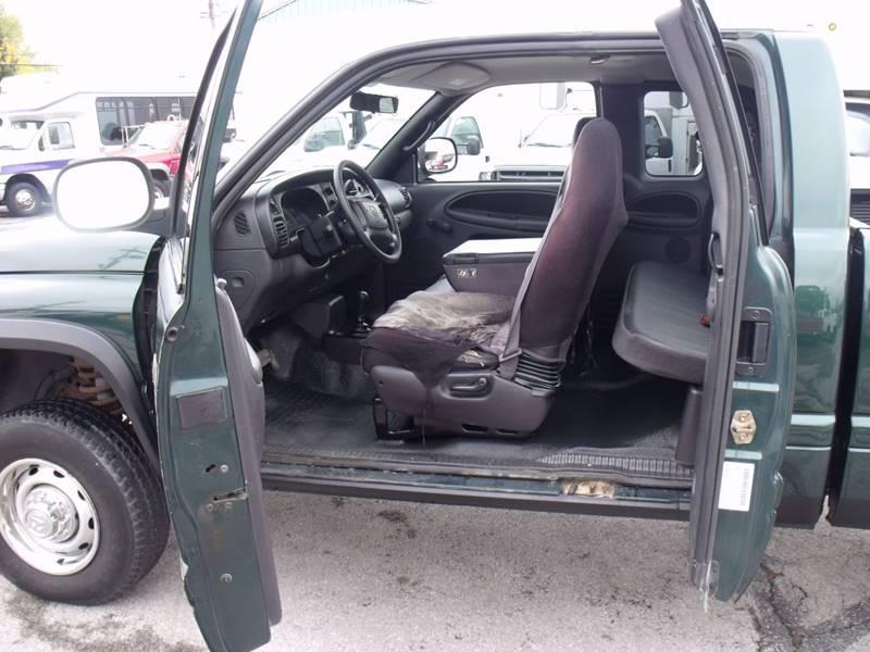 2002 Dodge Ram Pickup 2500 4dr Quad Cab ST 4WD LB - Bellevue OH