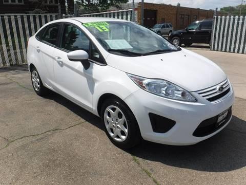 Ford used cars for sale kenosha budget motors of wisconsin for Budget motors of wisconsin
