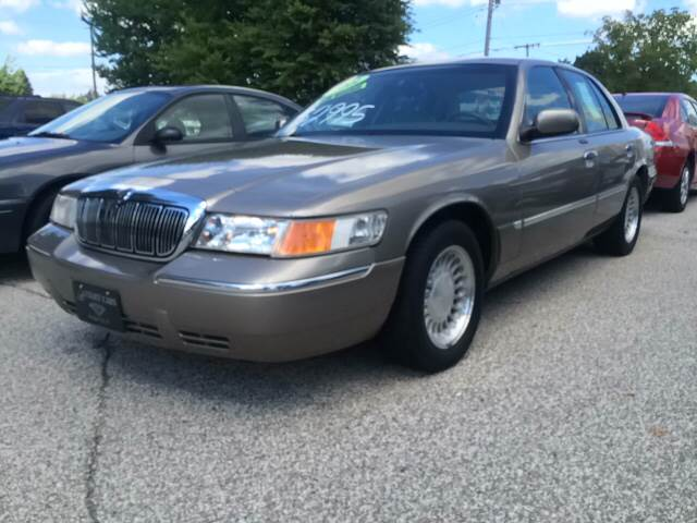 2001 mercury grand marquis ls premium 4dr sedan in michigan city in budjet cars 2001 mercury grand marquis ls premium