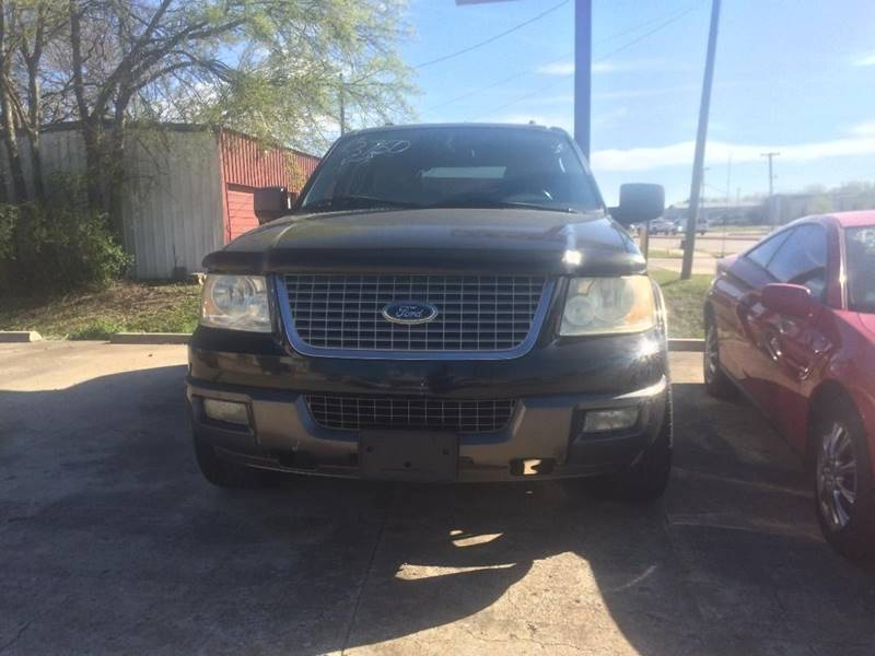 2005 Ford Expedition for sale at OLVERA AUTO SALES in Terrell TX
