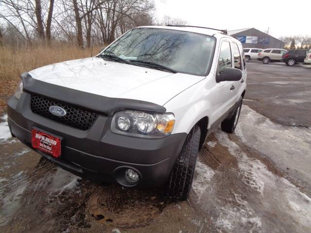Ford Escape XLT In Saint Joseph MN DJ AUTO SALES - 2005 escape