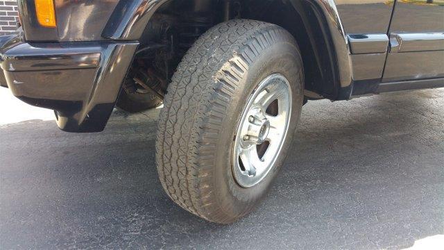 Image 19 of Jeep: Cherokee Sport…
