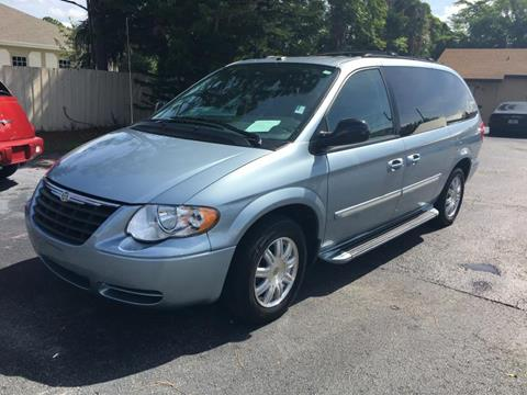 2006 Chrysler Town and Country for sale in Debary, FL