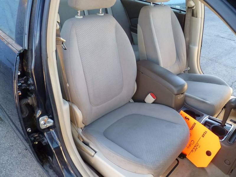 2006 Chevrolet Malibu LS 4dr Sedan - Saint Louis MO