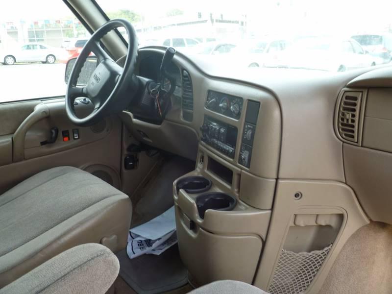 2005 GMC Safari XT - Saint Louis MO