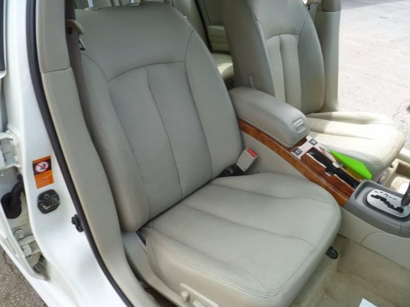 2002 Infiniti I35 4dr Sedan - Saint Louis MO