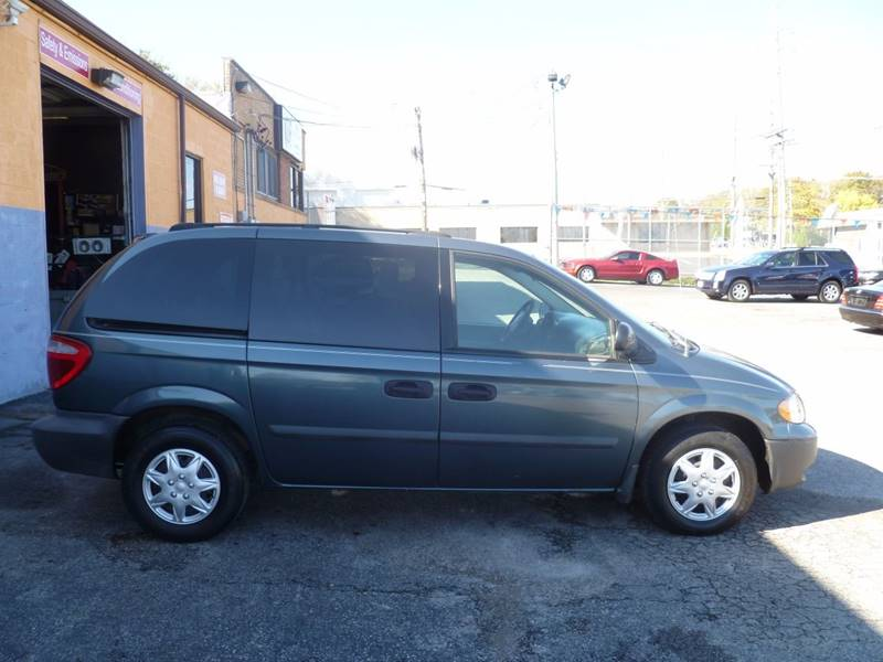 2005 Dodge Caravan SE 4dr Mini-Van - Saint Louis MO