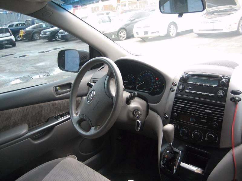 2007 Toyota Sienna CE - Saint Louis MO