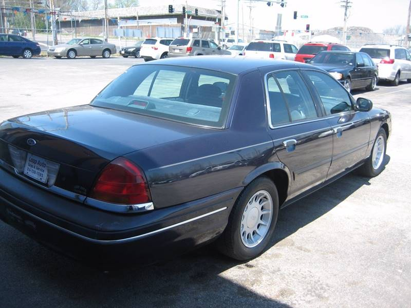 2001 Ford Crown Victoria LX 4dr Sedan - Saint Louis MO