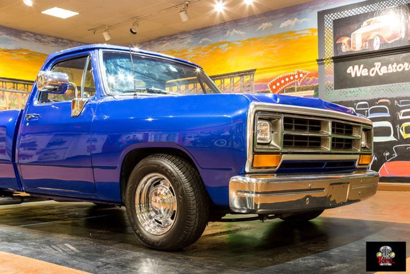 1987 Dodge RAM 150 3