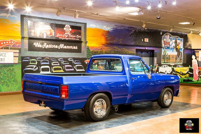 1987 Dodge RAM 150 23