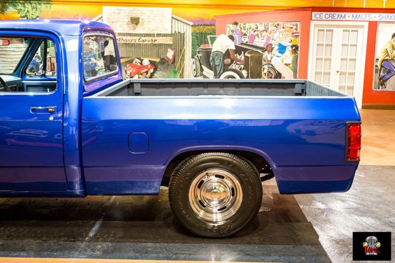 1987 Dodge RAM 150 17
