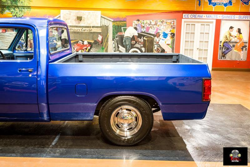 1987 Dodge RAM 150 16
