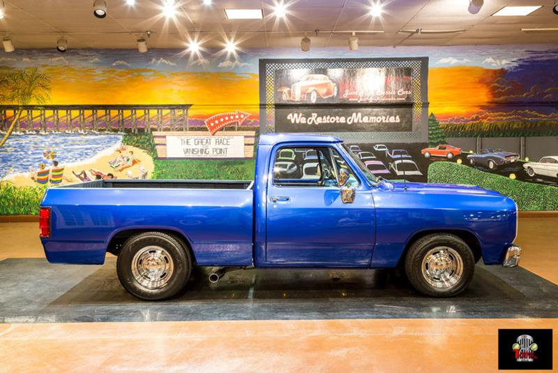 1987 Dodge RAM 150 1