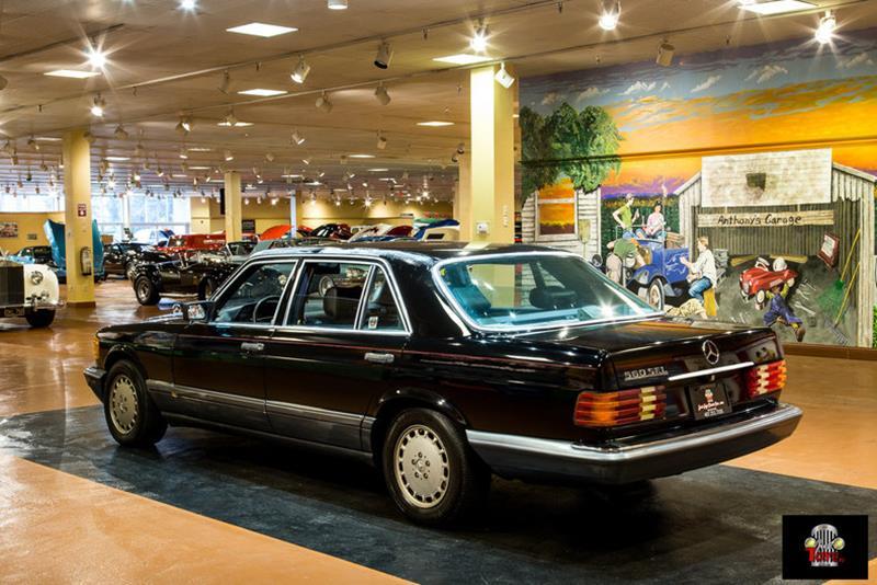 1990 Mercedes-Benz 560-Class 17