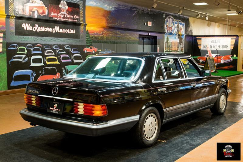 1990 Mercedes-Benz 560-Class 19