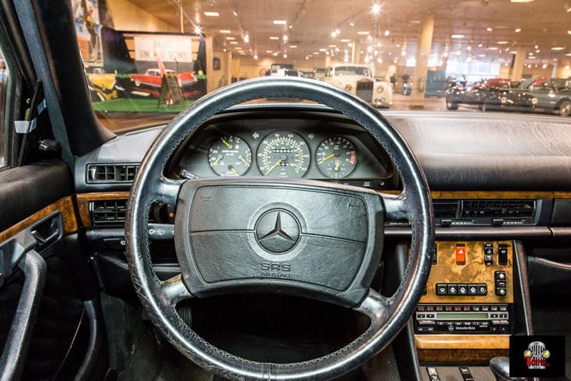 1990 Mercedes-Benz 560-Class 51