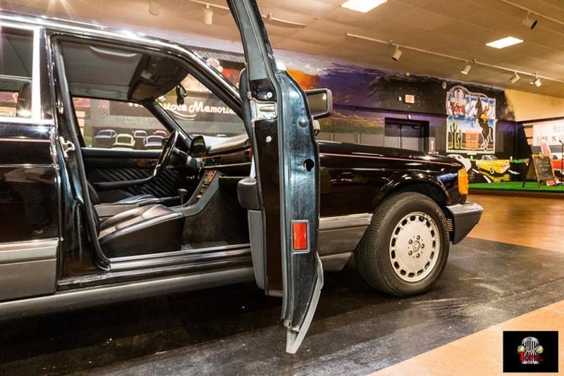1990 Mercedes-Benz 560-Class 63