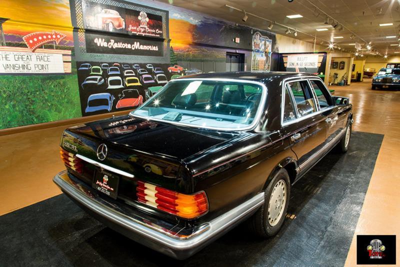 1990 Mercedes-Benz 560-Class 28