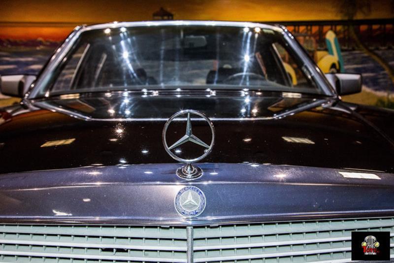 1990 Mercedes-Benz 560-Class 29