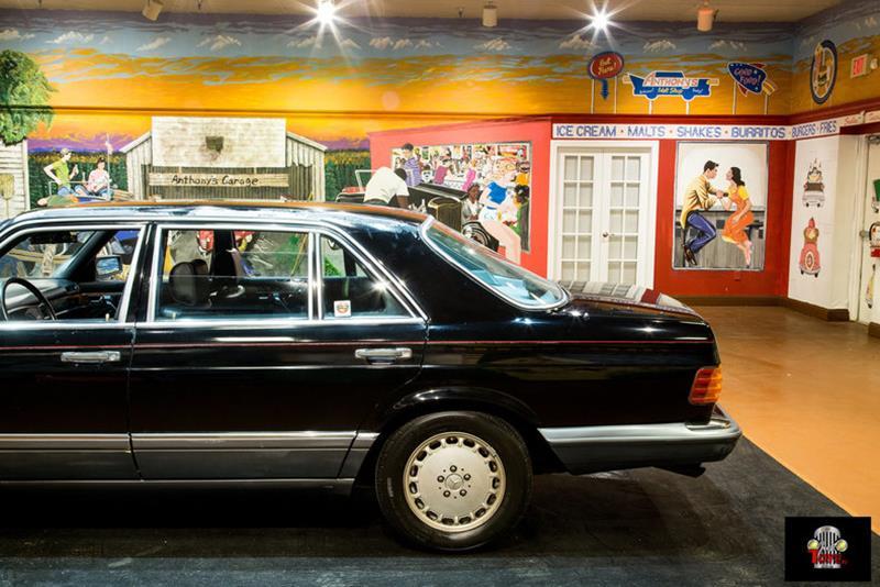 1990 Mercedes-Benz 560-Class 16