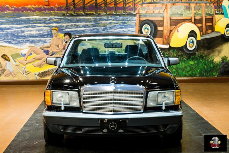 1990 Mercedes-Benz 560-Class 10