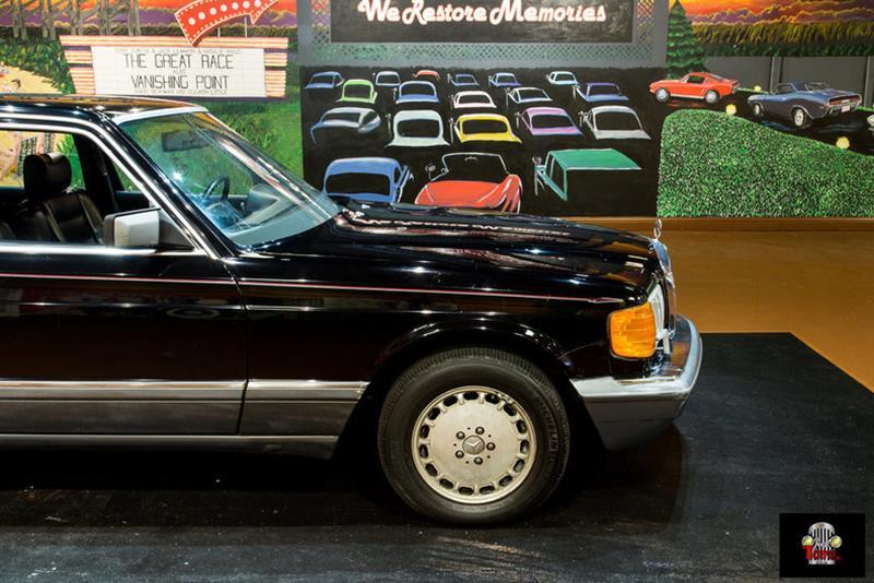 1990 Mercedes-Benz 560-Class 23