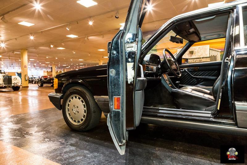 1990 Mercedes-Benz 560-Class 31