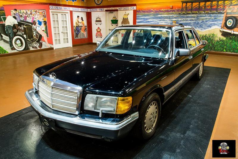 1990 Mercedes-Benz 560-Class 26