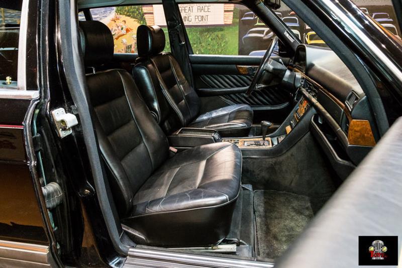 1990 Mercedes-Benz 560-Class 69