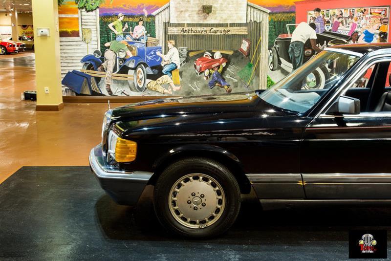 1990 Mercedes-Benz 560-Class 14