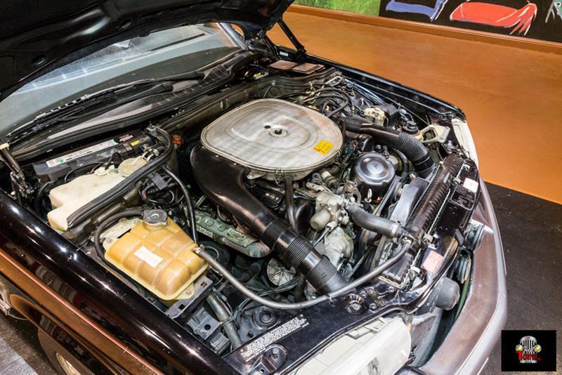 1990 Mercedes-Benz 560-Class 74