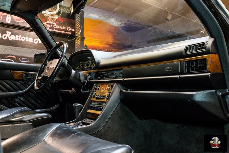 1990 Mercedes-Benz 560-Class 68
