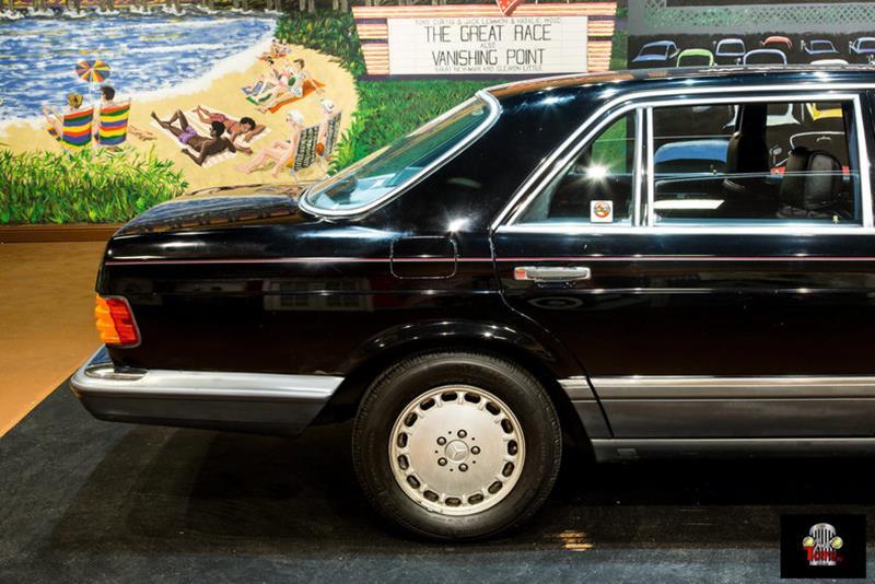 1990 Mercedes-Benz 560-Class 21